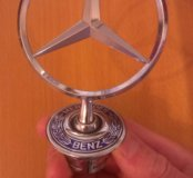 Эмблема на капот Mercedes-benz