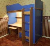 кровать- чердак с матрасом и лампой