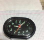 Часы настольные - будильник