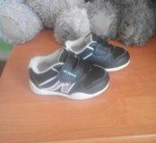 Продам кроссовочки на малыша