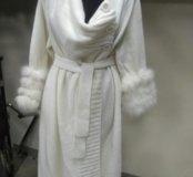 Пальто вязаное с мехом