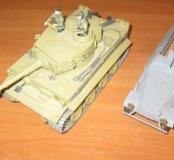"""Модели: танк """"Тигр"""", бронетран-р """"Ганомаг"""""""