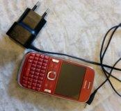 Телефон Nokia Asha 302 красный.