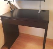Письменный стол Микке с полкой для книжек
