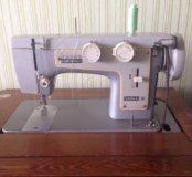 Швейная машинка Чайка -3