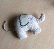 Слоник мягкий