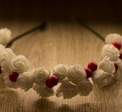 Белый ободок с ягодками