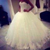 Пышное платье белое Новое