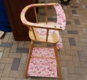 Старинный деревянный стульчик для кормления