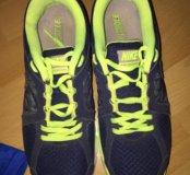 Кроссовки Nike 43р