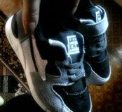 Новые кроссовки д.м