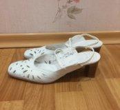 Женские туфли-босоножки. Кожа