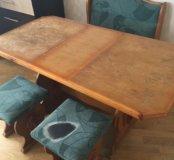 Стол кухонный + 2 стула+ минидиван