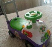 Детская машина и игровой гоночный трек