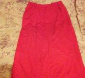 красная трикотажная юбка