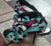 Туфли на шпильках очень красивые