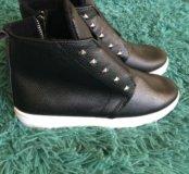 Ботинки новые 37