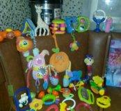 Пакет игрушек и погремушек