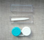 Набор для линз: пинцет и коробочка для хранения