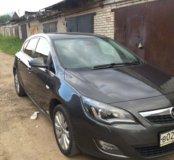 Opel astra J 2011 год