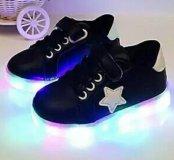 Новые кроссовки черные