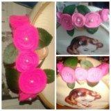 Розовый ободок с бусинами, лепестками ручно работы