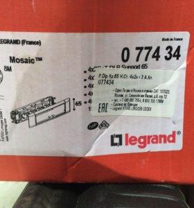 Legrand 077434 модуль розетки 4х2к+ 3