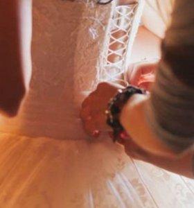 Свадебное пышное кружевное платье
