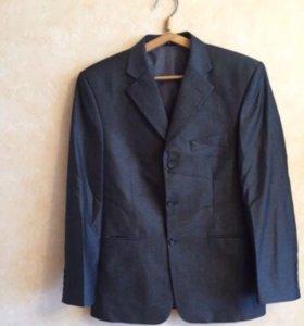Классический мужской костюм р46-48