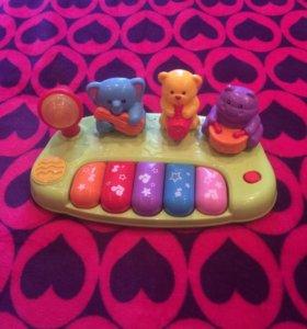 Музыкальное пианино с животными