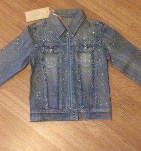 Джинсовая куртка со стразами