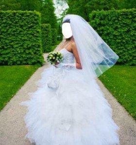Шикарное свадебное платье+Кринолин+фата