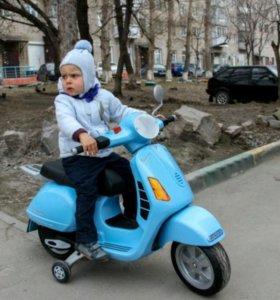Электромобиль мопед моцикл детский Peg-Perego