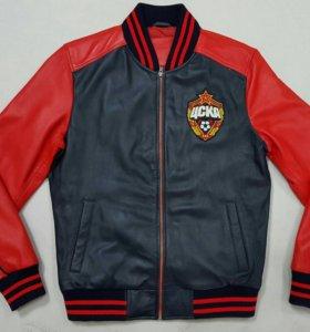 Кожаная куртка из высококачественной кожи.