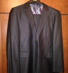 Мужской костюм 54размера