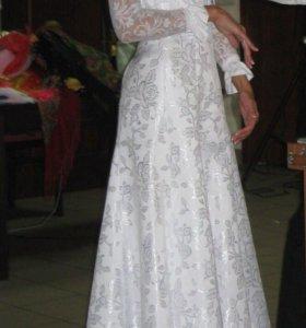Платье с потрясающими узорами
