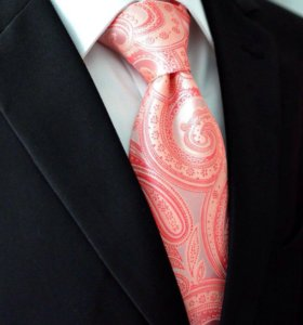 Красивый галстук с платком и запонками. Новый.