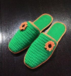 Тапочки вязанные женские
