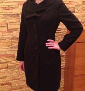Элегантное Пальто в идеальном состоянии