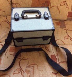 Продам чемодан для визажистов ( для косметики)
