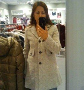 Продам новое пальто 44-46 размер