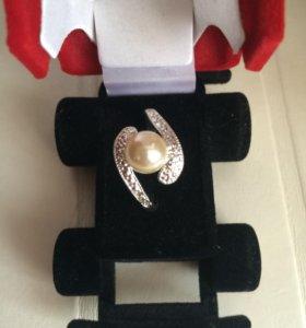 Бижутерия кольца брошки