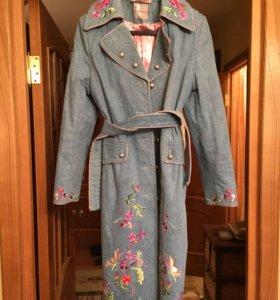 Джинсовое пальто,на тонком синтепоне
