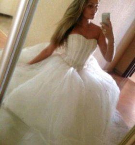 Свадебное платье. Фата. Шубка