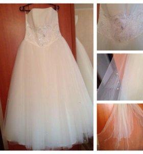 Свадебное платье р-р44-46