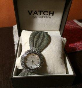Часы женские Vatch