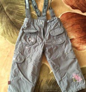 Осенние штаны на подтяжках для девочки