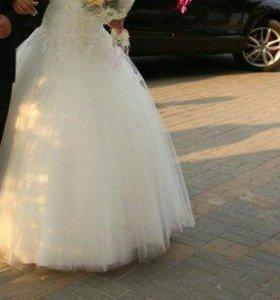 Свадебные платья на прокат.на продажу 10000р