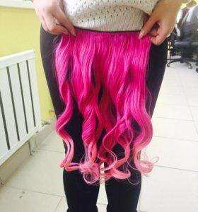 Розовые волосы на заколках