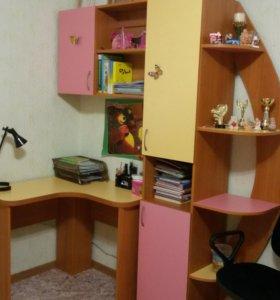 Стол угловой со шкафами в детскую